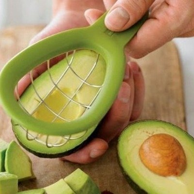 Kitchen gadget for slicing avocados